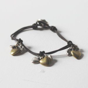 Fossil button loop leather heart chart bracelet